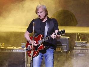 Justin Hayward - A Timeless Troubador Muses About Days of Future Passed