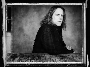 Warren Haynes - A Journeyman Musician Tours in Tribute to the Band