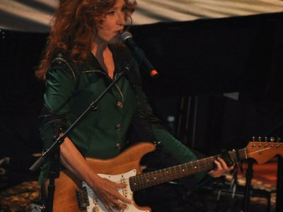 Bonnie Raitt - Live at the Tennessee Theatre - 10/25/2016